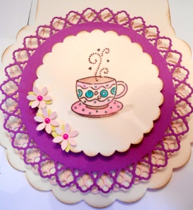 Scalloped Circle Tea Card